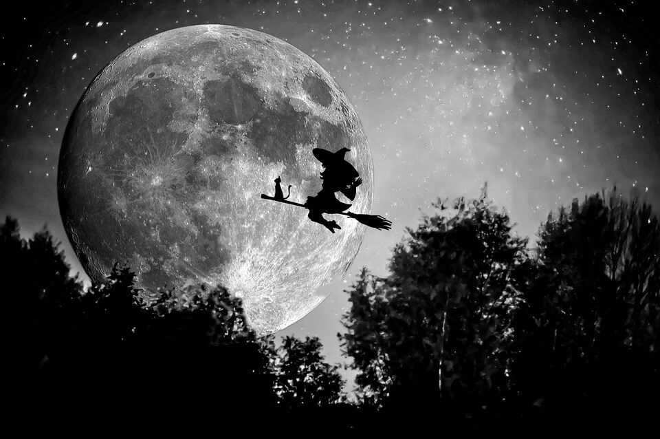 witch-949055_960_720