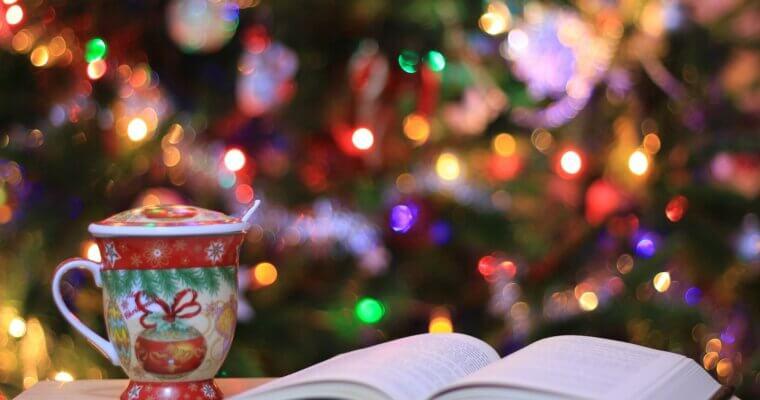 Il était huit fois Noël : pile à lire et suggestions